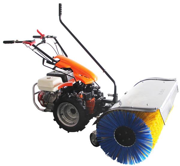 小型滚刷式扫雪机